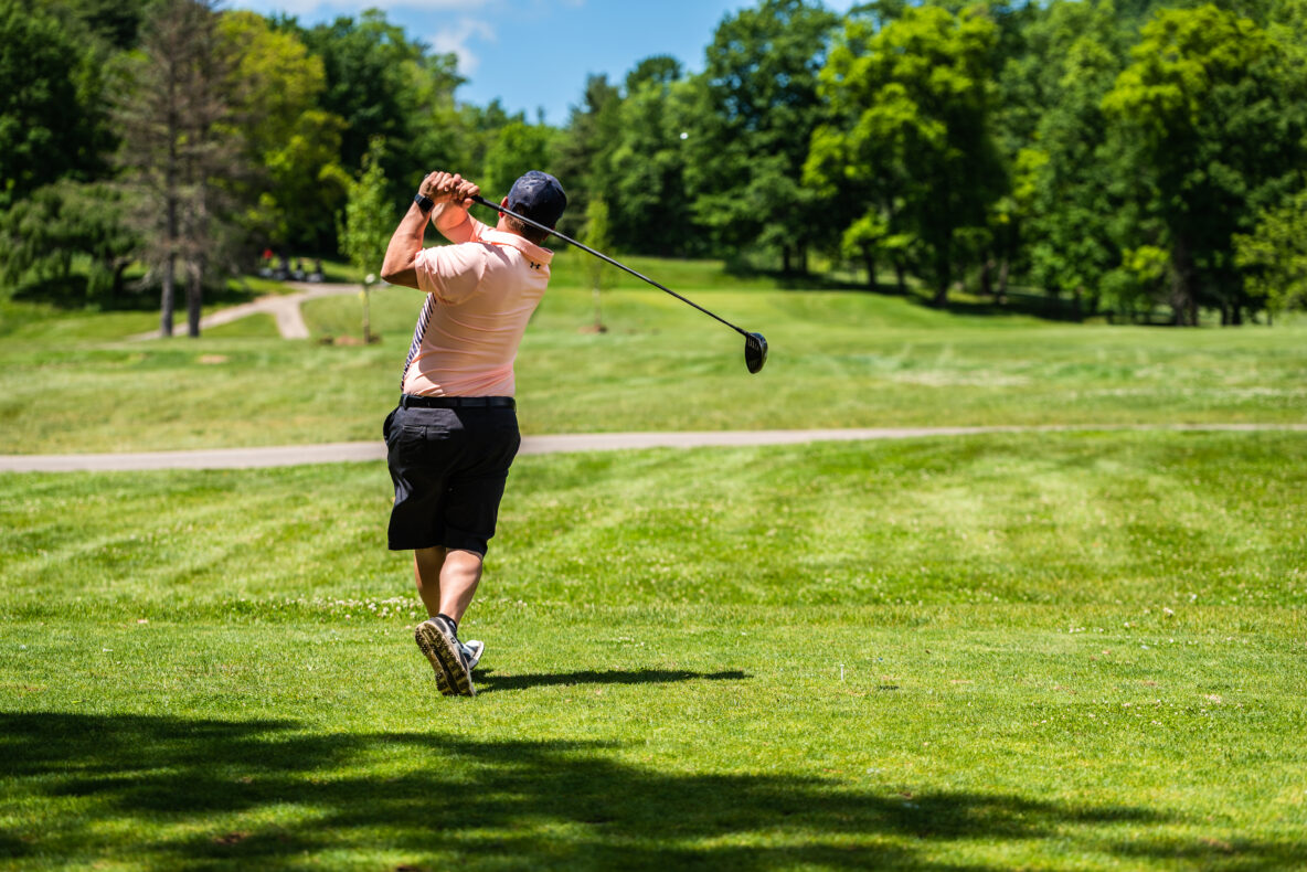 man-golfing-towanda-flynn